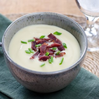 Easy Cauliflower Celeriac Soup with Bacon