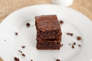 Easy Paleo Brownies - Cook Eat Paleo