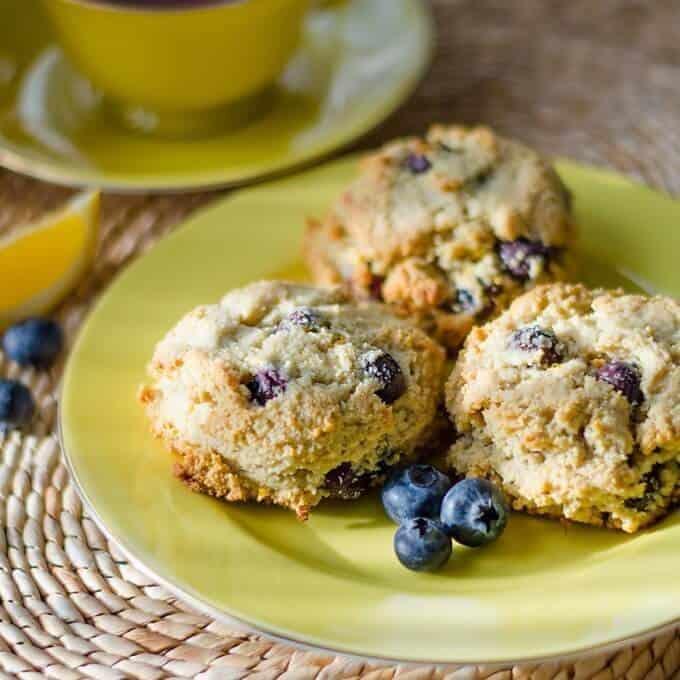 Paleo scone recipe - healthy lemon blueberry scones {gluten-free, grain-free, dairy-free, paleo recipe}