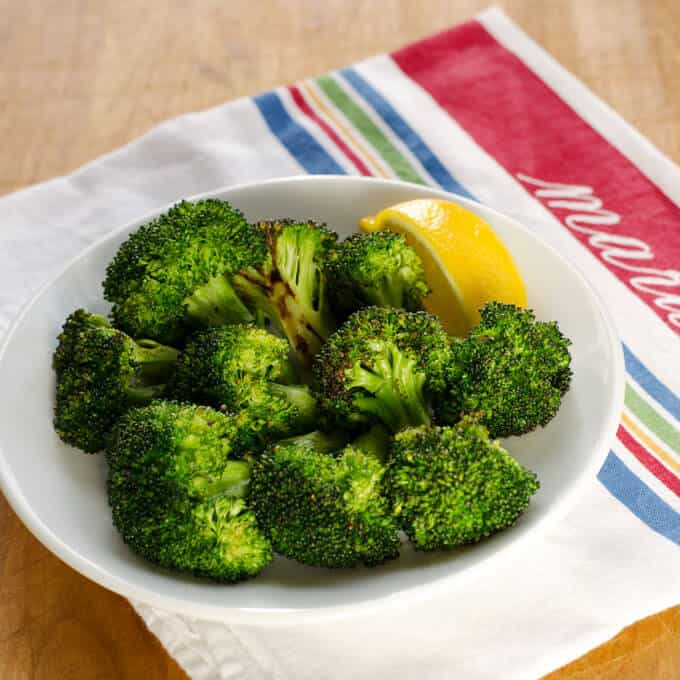 garlic-roasted-broccoli-680x680