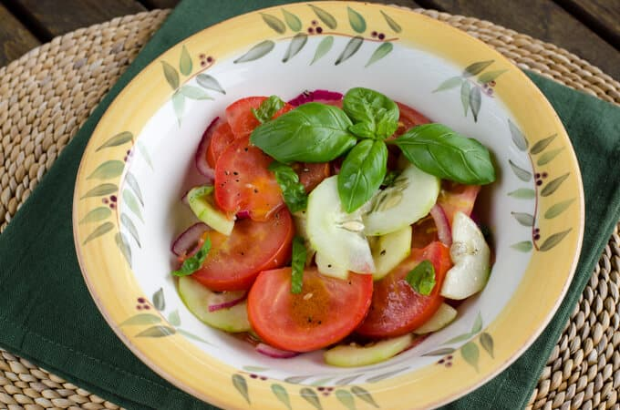 My favorite tomato and cucumber salad | cookeatpaleo.com