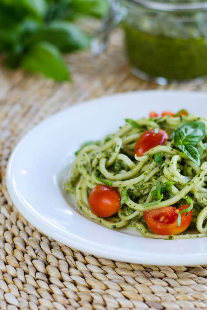 Zucchini Pasta Pesto | Spiralized Zucchini Pasta and Veggie Noodle Recipes