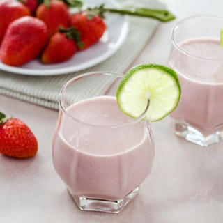 strawberry-coconut-smoothie680x450-2