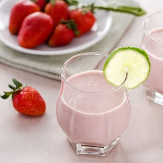 strawberry-coconut-smoothie680x680-3