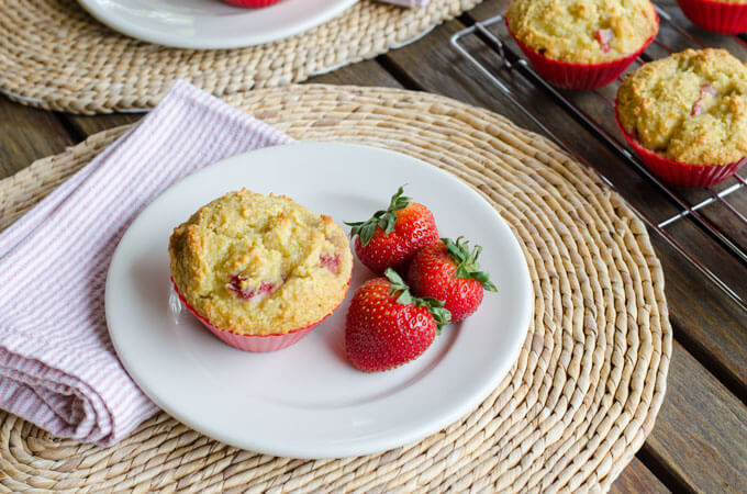 These gluten-free, grain-free strawberry paleo muffins are perfect for breakfast or an afternoon snack — a great way to use fresh strawberries this season. | cookeatpaleo.com