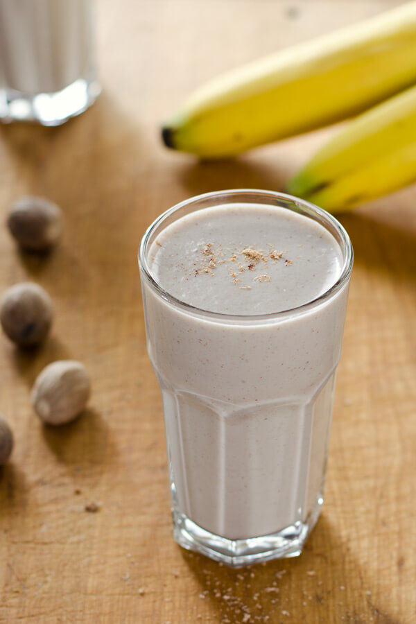 banana bread smoothie - cook eat paleo