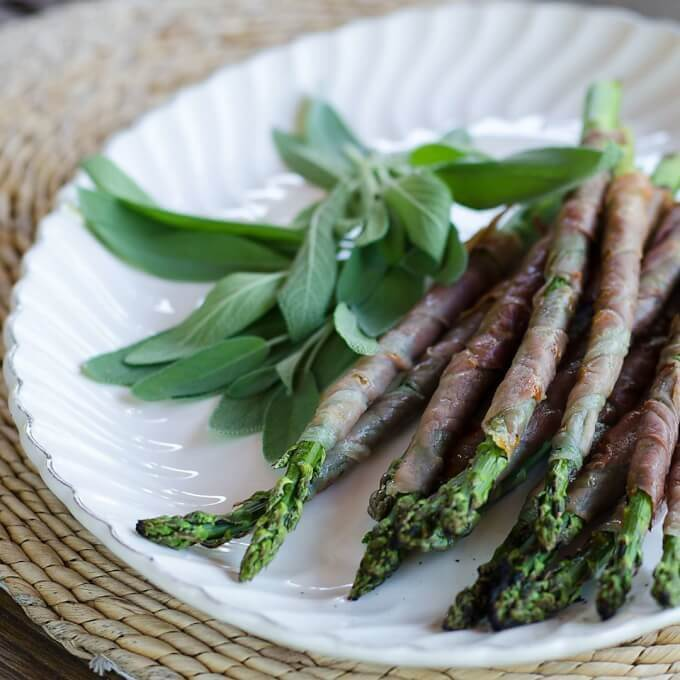 Prosciutto Wrapped Grilled Asparagus