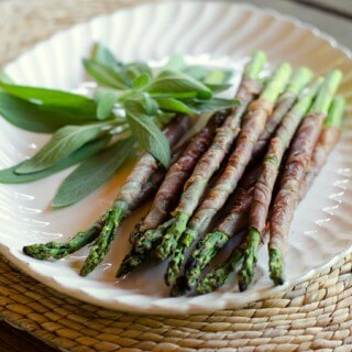 Grilled Asparagus Wrapped with Prosciutto