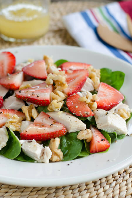 Paleo strawberry chicken salad | cookeatpaleo.com
