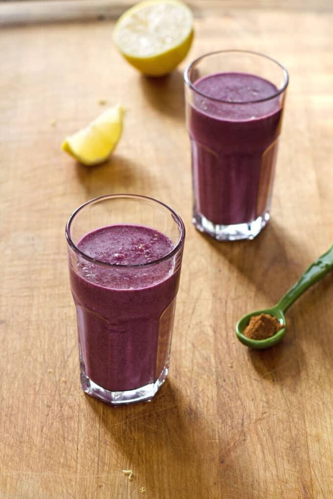 blueberry pie smoothie - cook eat paleo