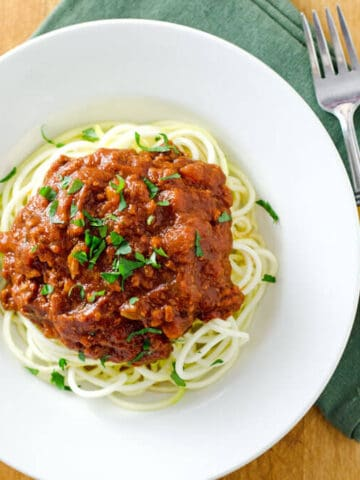 Slow cooker Bolognese sauce with zoodles