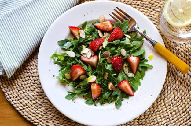 Arugula Strawberry Salad with Meyer Lemon Vinaigrette | Gluten free, dairy free, paleo