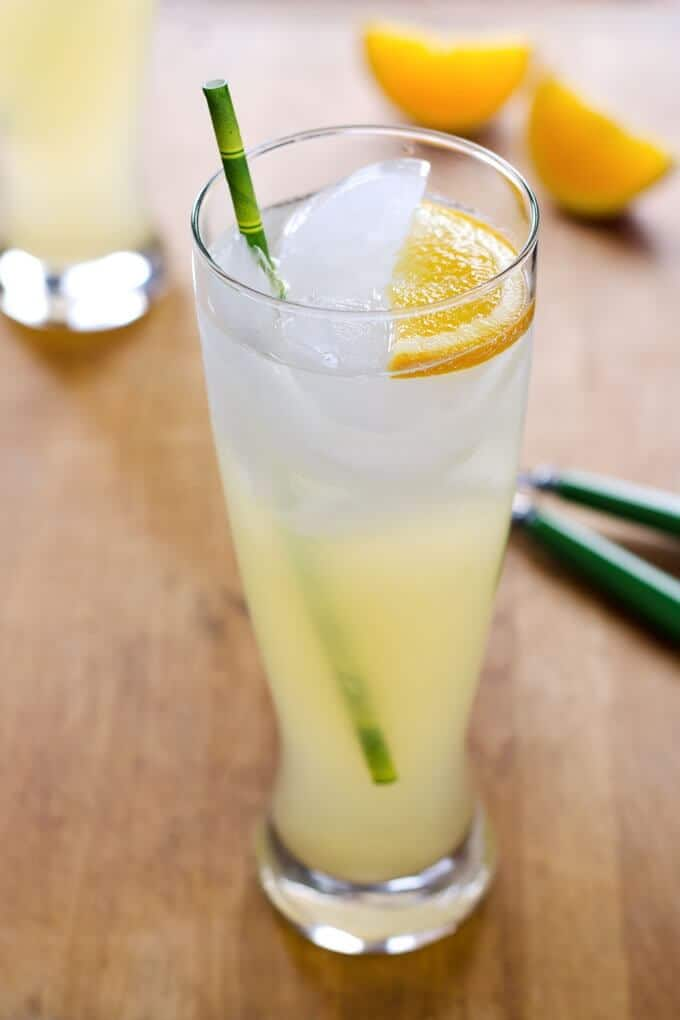 Easy Lemonade Recipe with Honey - it's a summertime favorite with a healthy twist and no refined sugar. | Cook Eat Paleo