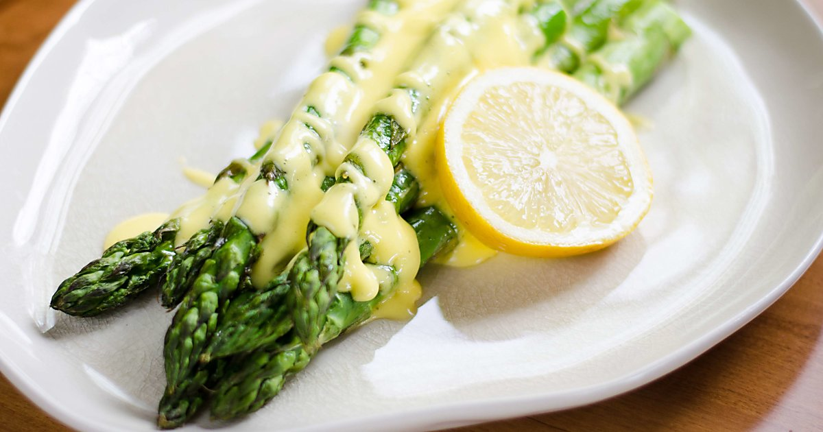 Roasted Asparagus with Easy Blender Hollandaise Sauce