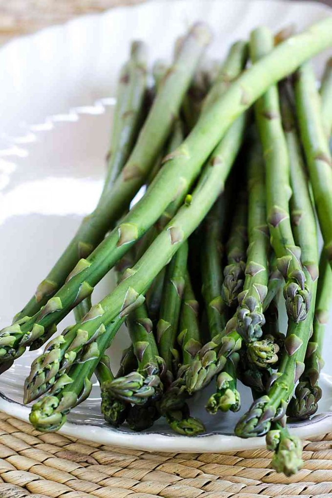 This grilled asparagus recipe starts with fresh crisp asparagus.