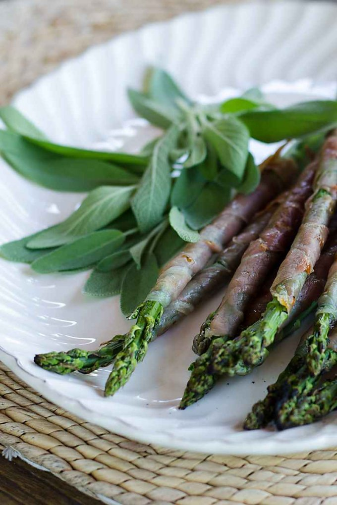 Grilled Asparagus Prosciutto Wrapped