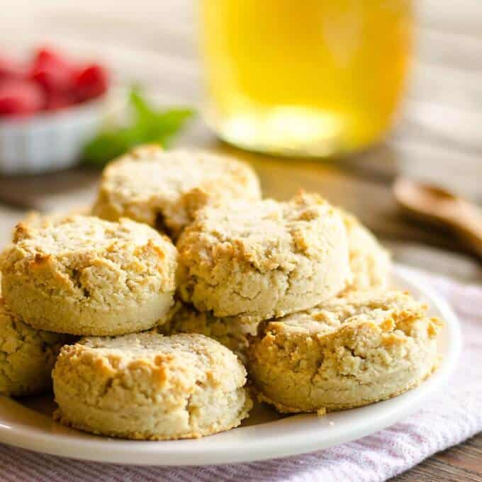 Easy Almond Flour Biscuits (Paleo, Keto, Gluten Free)