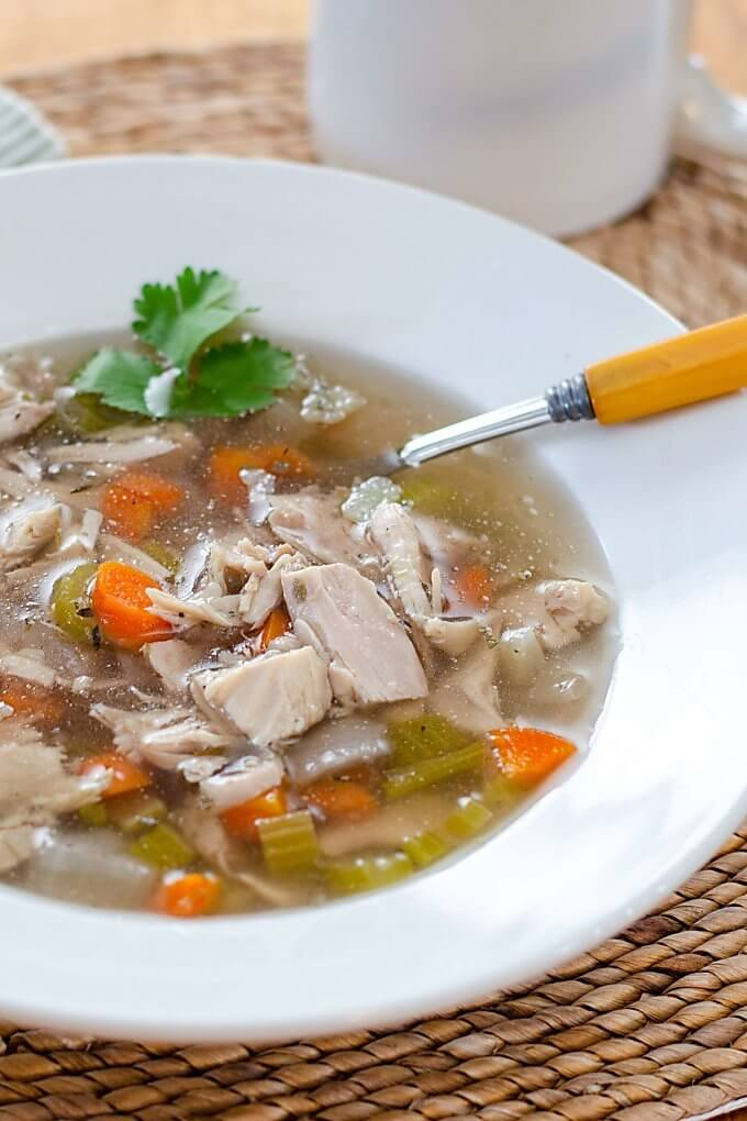 Keto crockpot recipes: slow cooker chicken soup