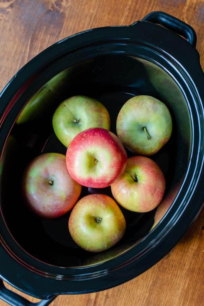 apples in slow cooker