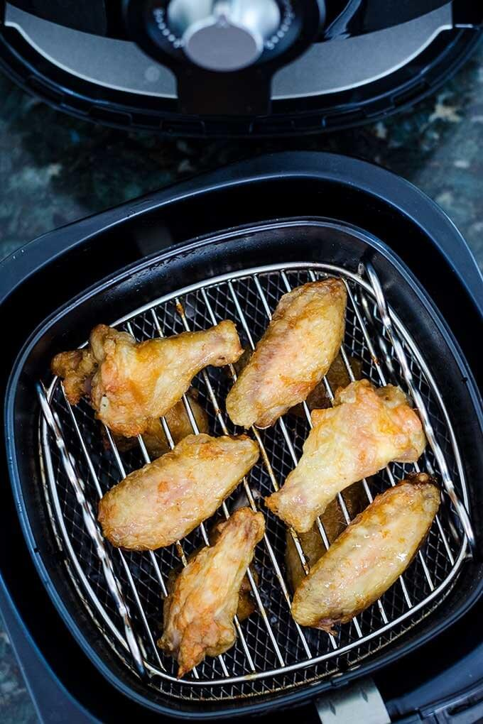 Chicken wings in Philips Airfryer - Cook Eat Paleo