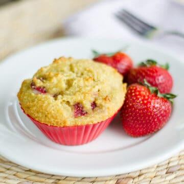 Almond flour strawberry muffins