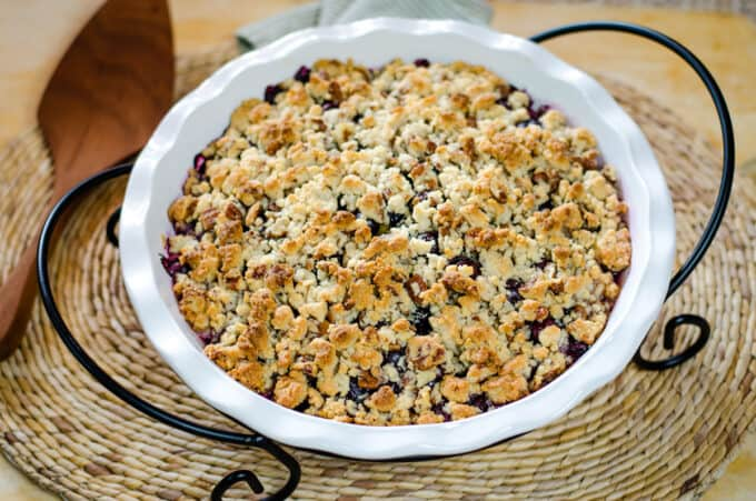 Peach blueberry crisp with almond flour crumble top