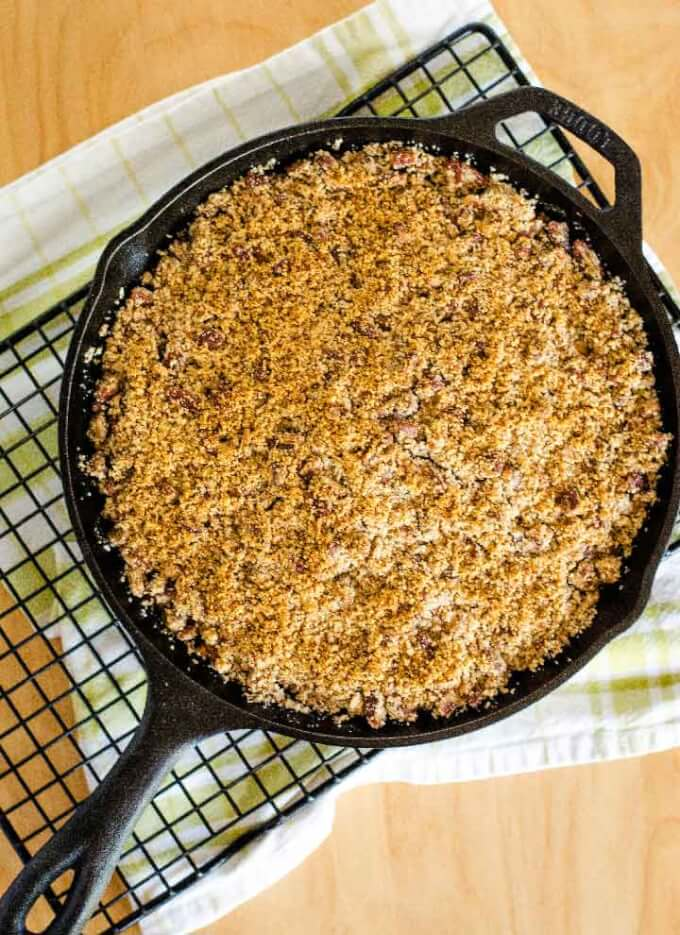 Apple crisp baked in skillet