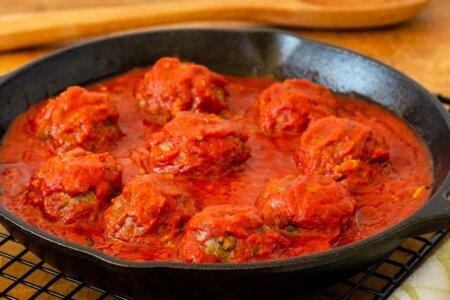 Meatballs baked in sauce
